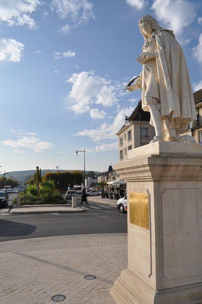 Statue JdLF - Mairie CT (1)