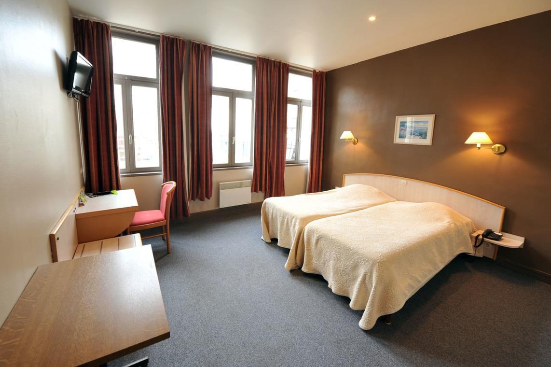 st-omer-hotel-les-frangins-003-2012-photo-carl-office-de-tourisme-de-la-region-de-saint-omer_1