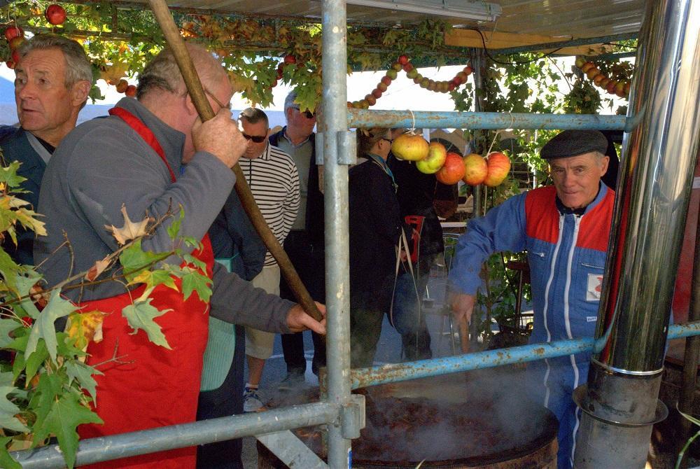 Fete-du-pomme-a-Bazouges-la-Perouse