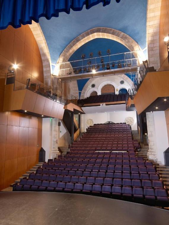 Intérieur du théâtre de l'Arche...une ancienne chapelle