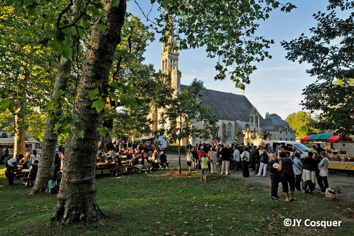 marche-de-kerdevot-ergue-gaberic-©-photo- J.Y-Cosquer