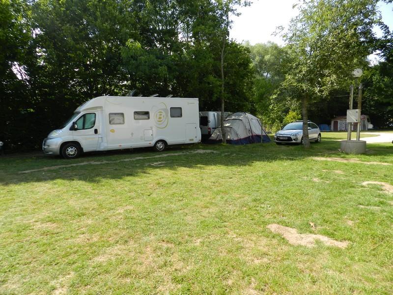 Camping du Plan d'eau de la Varenne à Morée