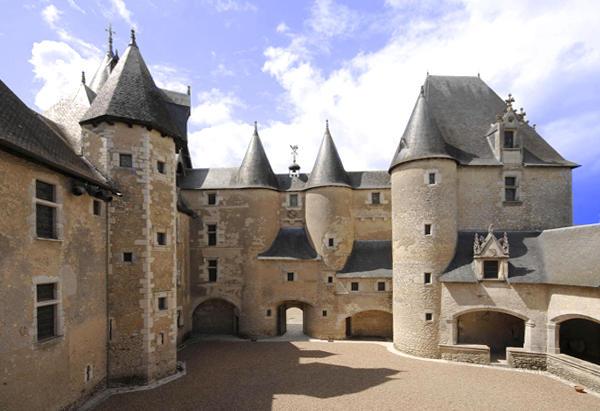 Château de Fougères-sur-Bièvre ©ADT41