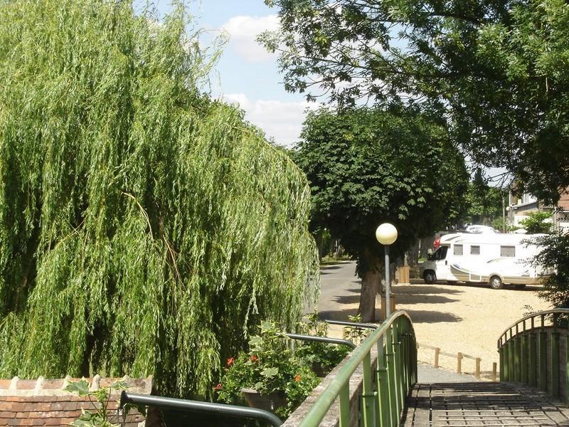 Aire de stationnement camping-cars à Montoire-sur-le Loir