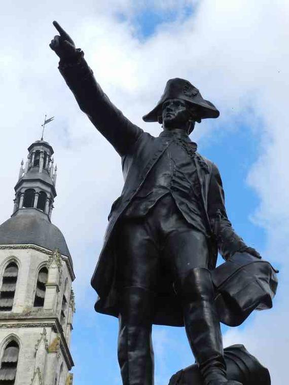 Statue-Rochambeau-place-st-martin-vendome