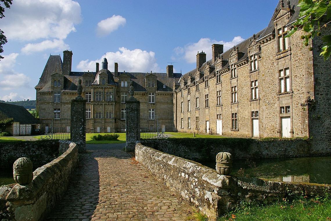 1280px-Château_de_Foulletorte