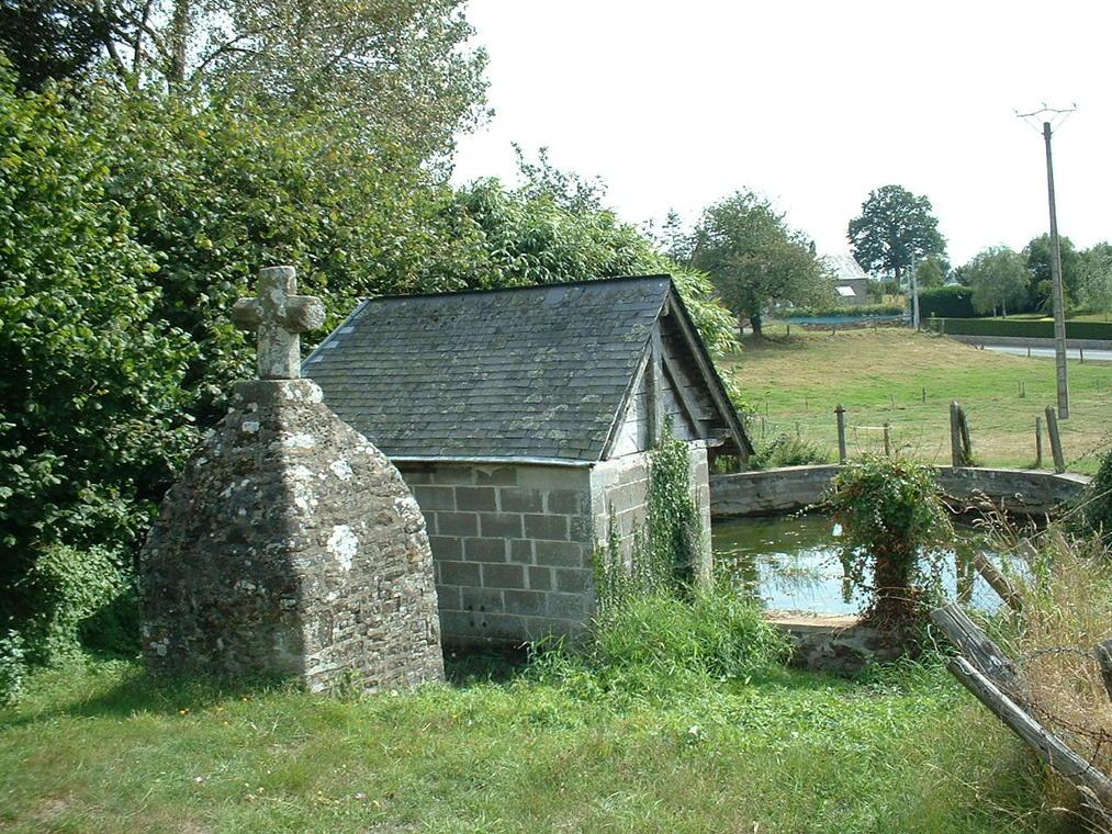 Fontaine et lavoir Brecé