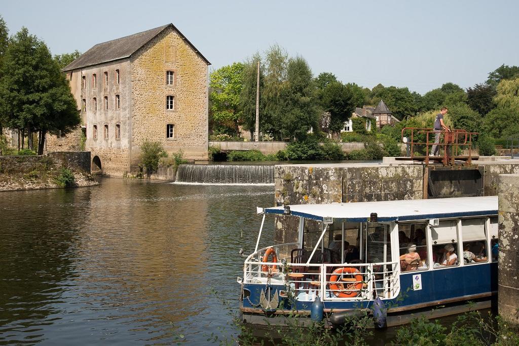 Mayenne bateau promenade