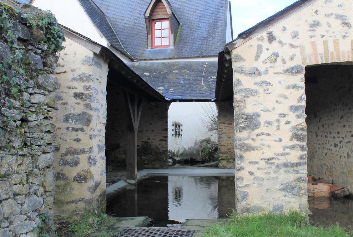PCU53-.Assé-le-Bérenger_Lavoir_Saint_Thuribe_crédits_Pah