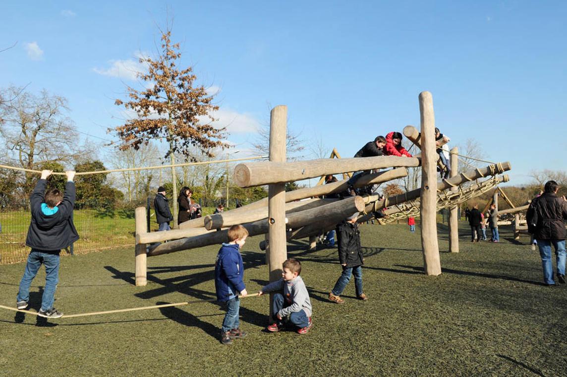 LOI44-aire-de-jeux-du-bois-joalland