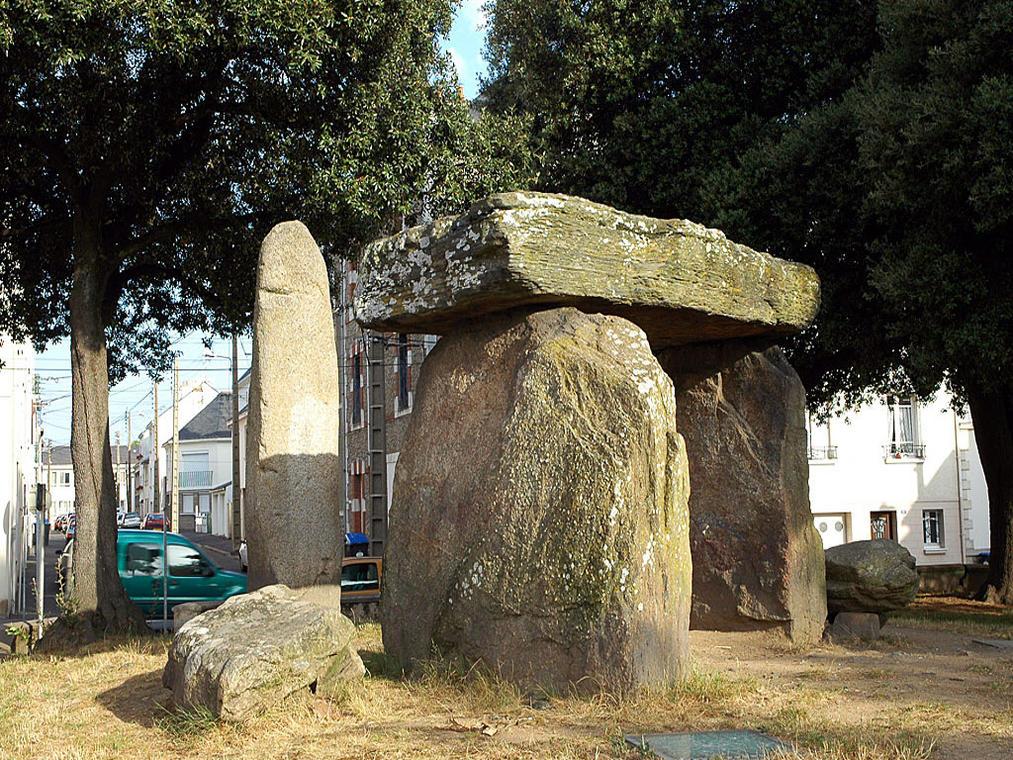 PCU44-dolmen