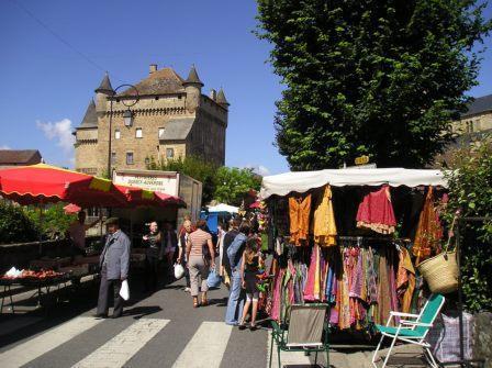 Marché à Lacapelle-Marival