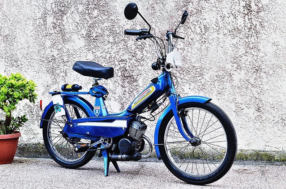 moped-5037879_1280