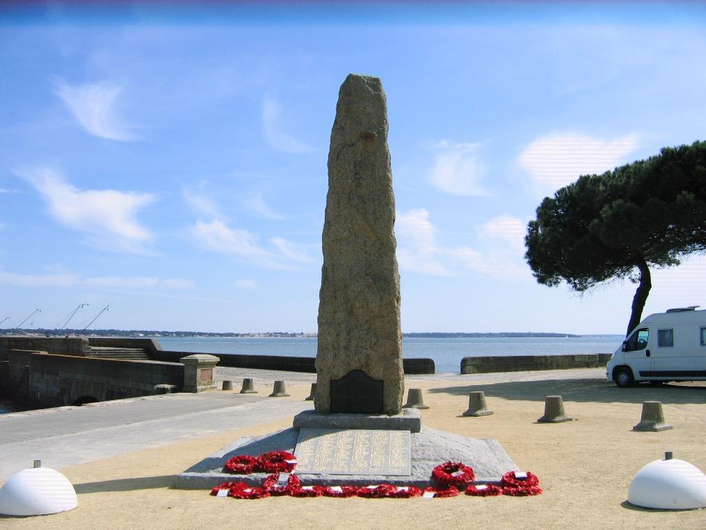 PCU44-monument-du-commando