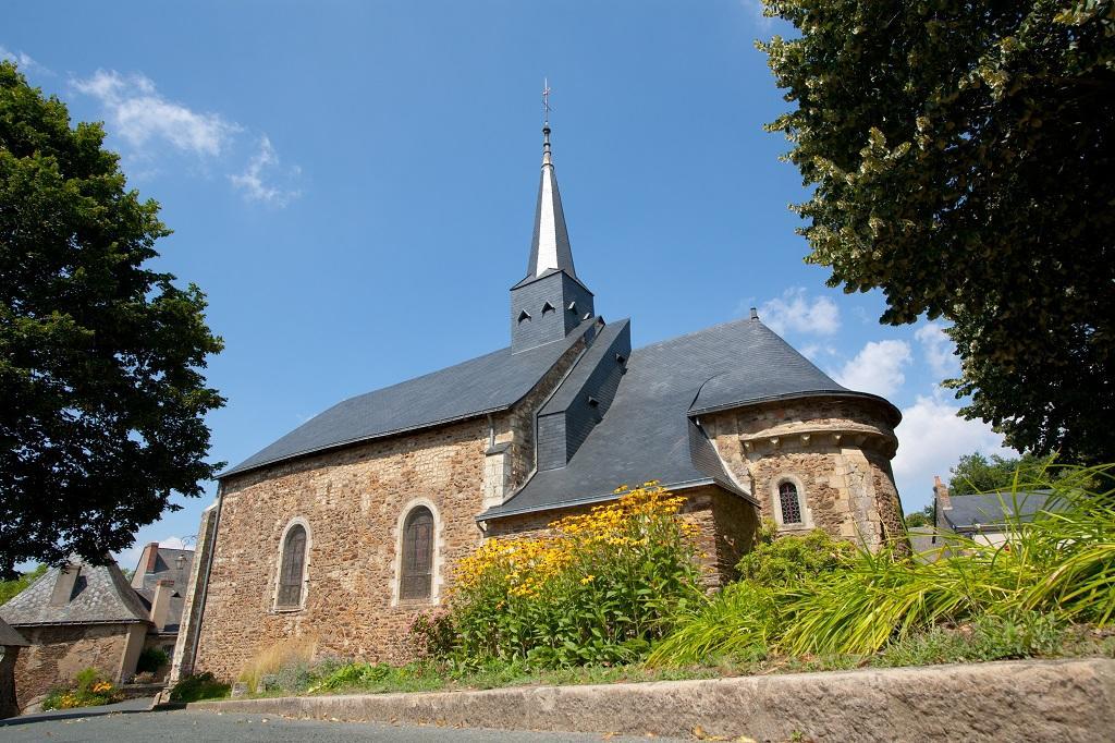 eglise-saint-pierre-chenille-change-49-pcu-photo1
