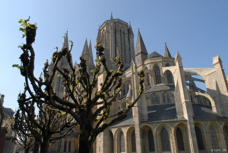 coutances-cathedrale (1)