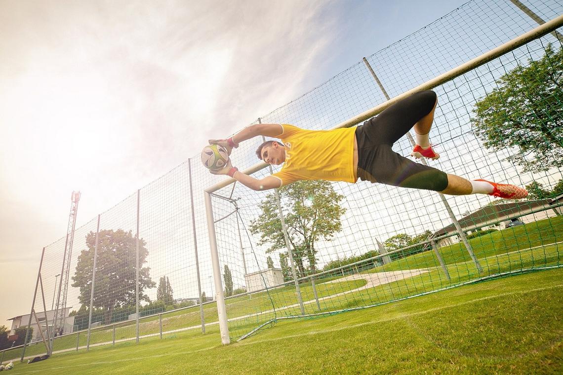 goalkeeper-5754865_1920