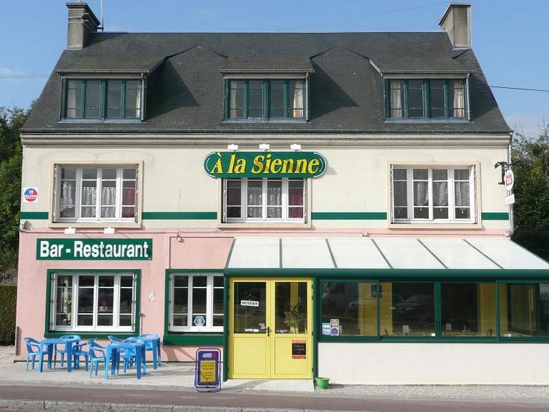 hyenville-a-la-sienne (1)
