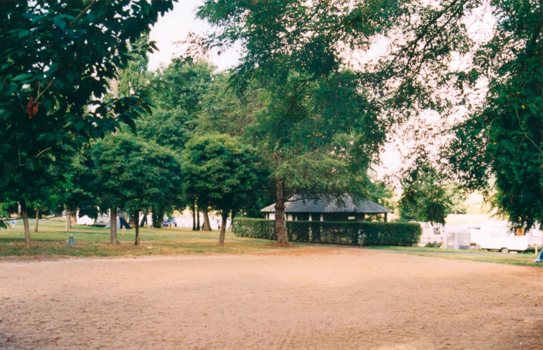 HPA49-Aire naturelle de Chenillé Changé-1