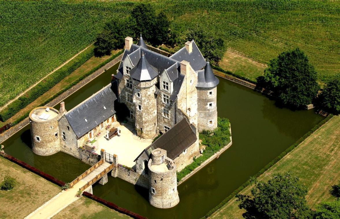PCU49-chateau-Vaux-Mire