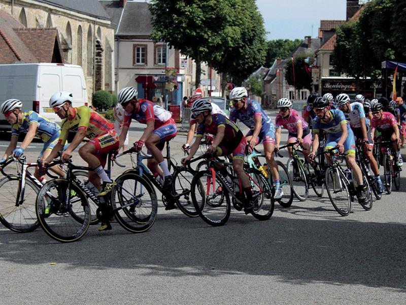 Course cycliste Tourouvre 800x600 ©F.Demeule