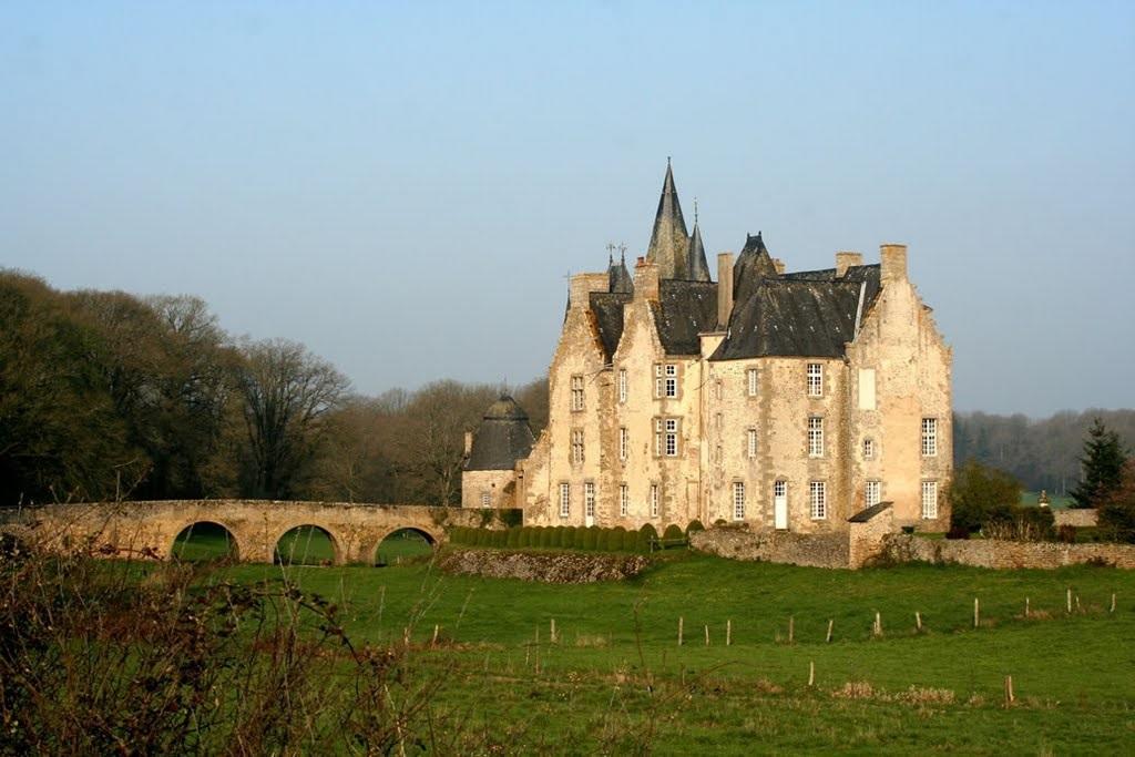 FMA53-Chateau-Bourgon