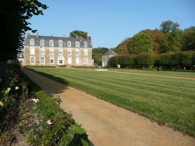 château-de-la-faucille-hotellerie-de-flee-49-pcu