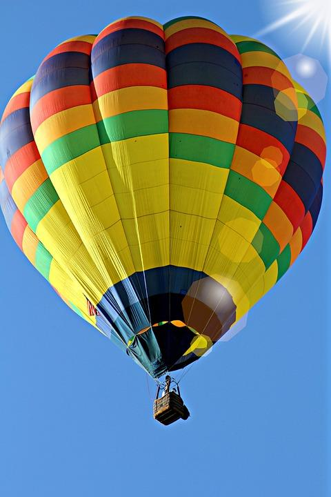 montgolfieres hot-300414_960_720