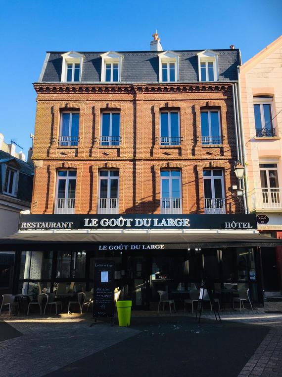 Facade-Le-Gout-Du-Large