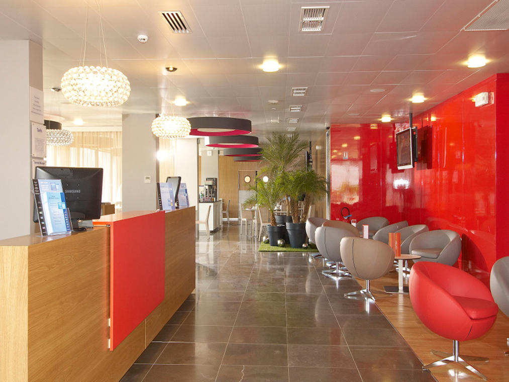 HOT44-hotel-holiday-inn-express