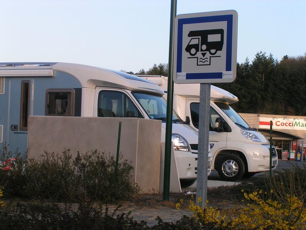aire-camping-car-chailland-53-1