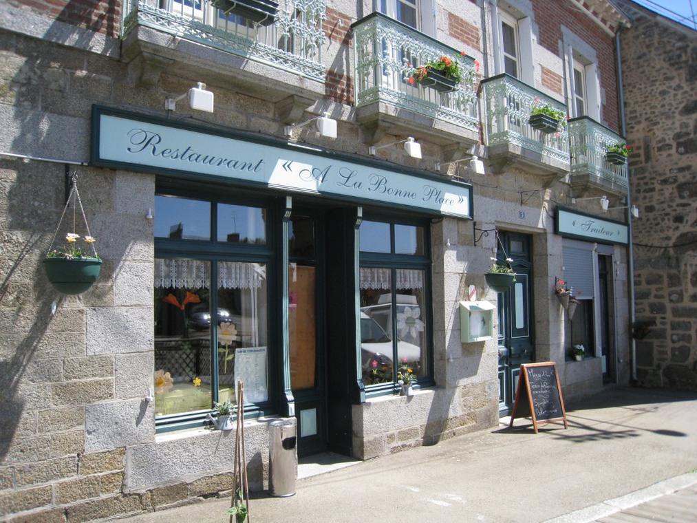 restaurant-a-la-bonne-place-montaudin-53-res-1