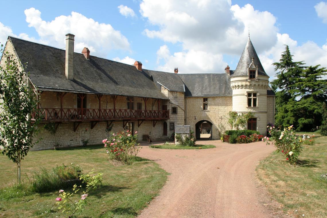 03_Château de la Roche-Martel.JPG_1