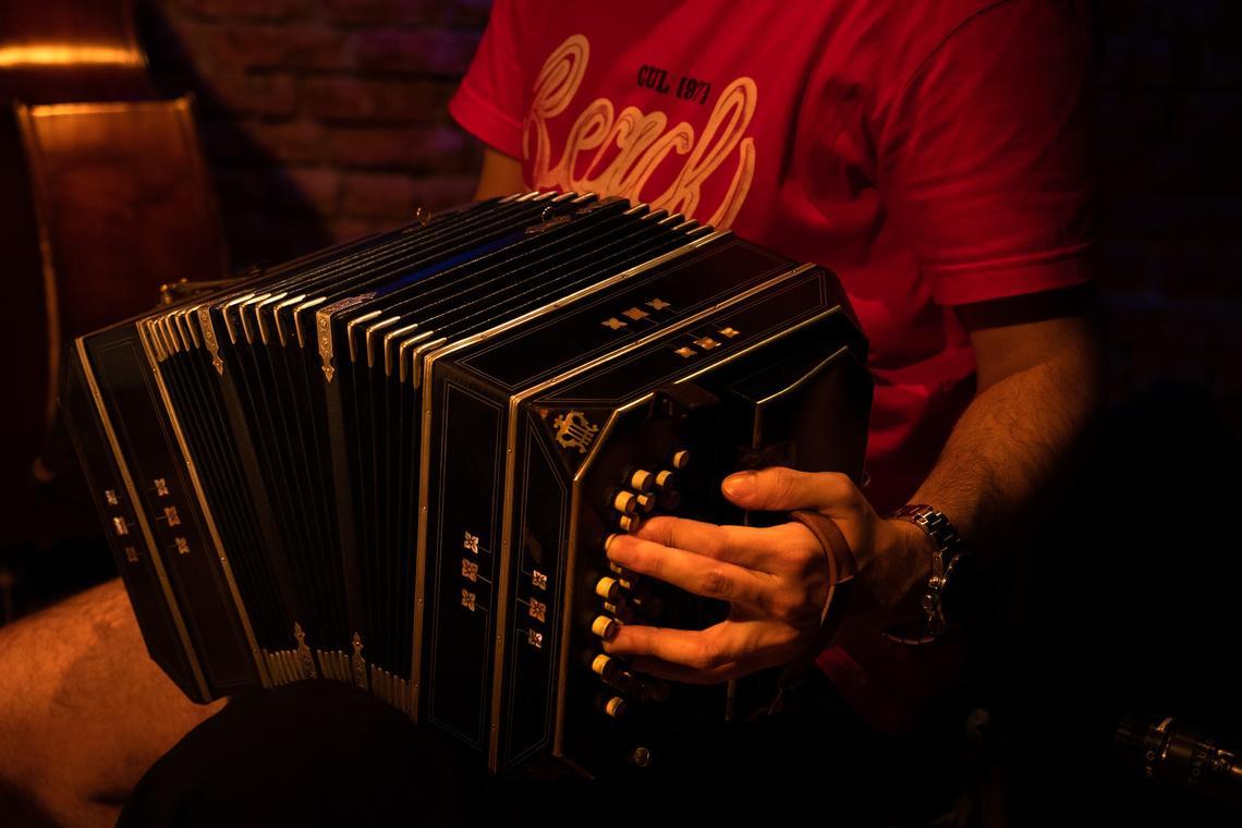 tango-4524900_1920