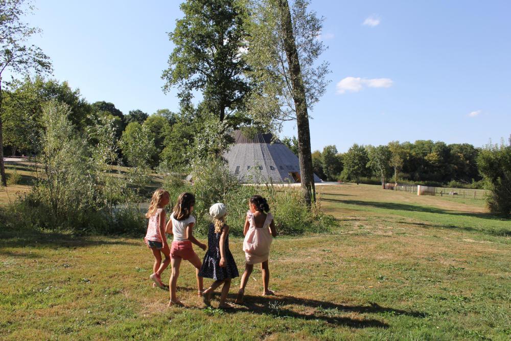 jeunes filles pyramide