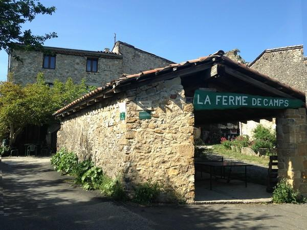 LA-FERME-DE-CAMPS-2