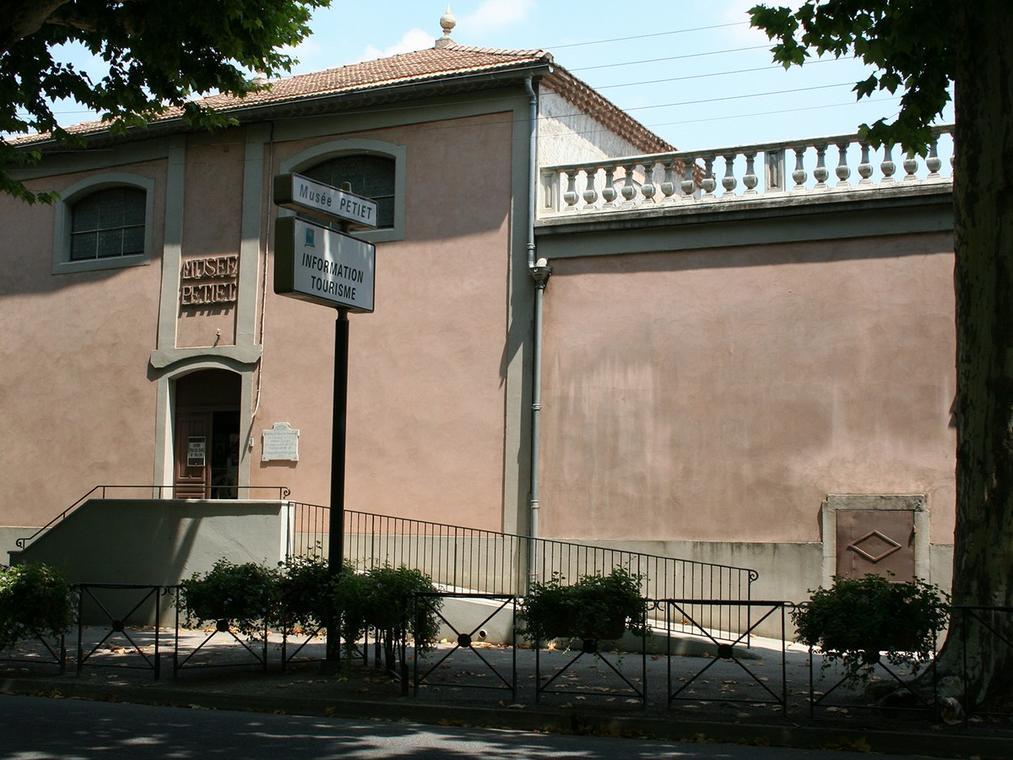 Musée Petiet - façade