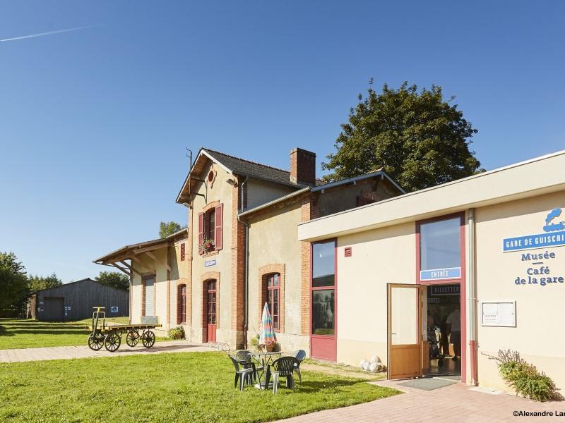 gare-facade-avant-alamoureux-3
