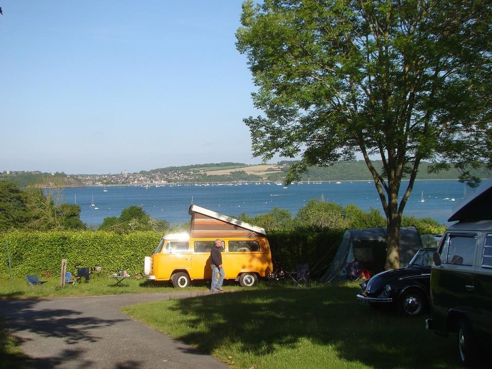 Camping-Le-Rivage-Le-Minihic-van