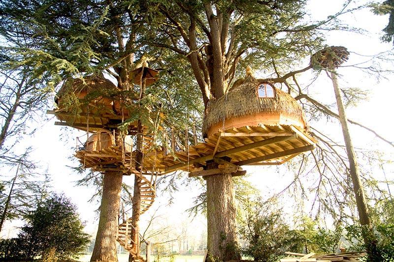 Cabanes-dans-les-arbres-Les-Ormes-Domaine-&-Resort