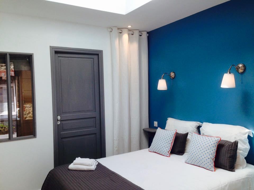Hotel-Saint-Michel-Dinard-chambre-double-bleue-roi