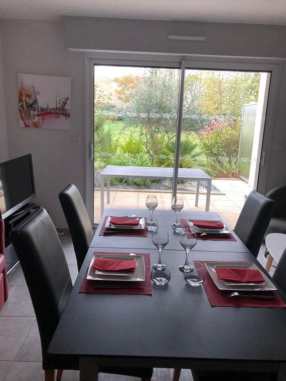 Location appartement - M. Chevalier- Salle à manger