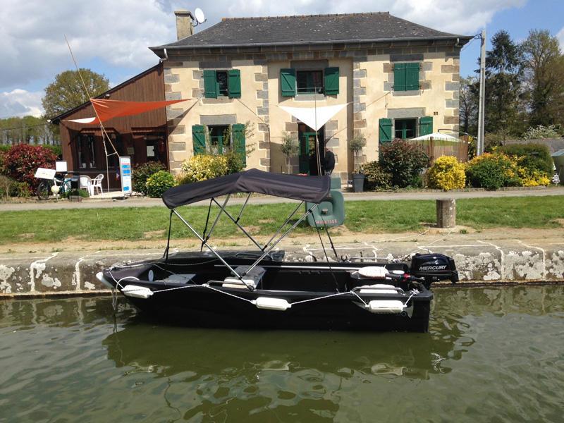 Ille Flottante les bateaux promenade à Hédé-Bazouges