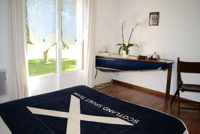 Le-Tertre-Gatinais---Brossard-Pascal-chambre-double-bleue-1-2