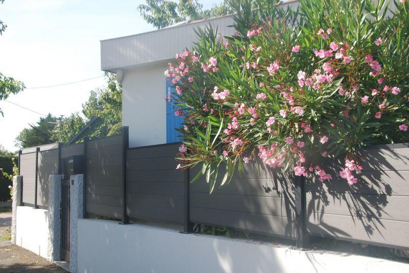 Madame-Fournier-Dinard-facade-fleurs