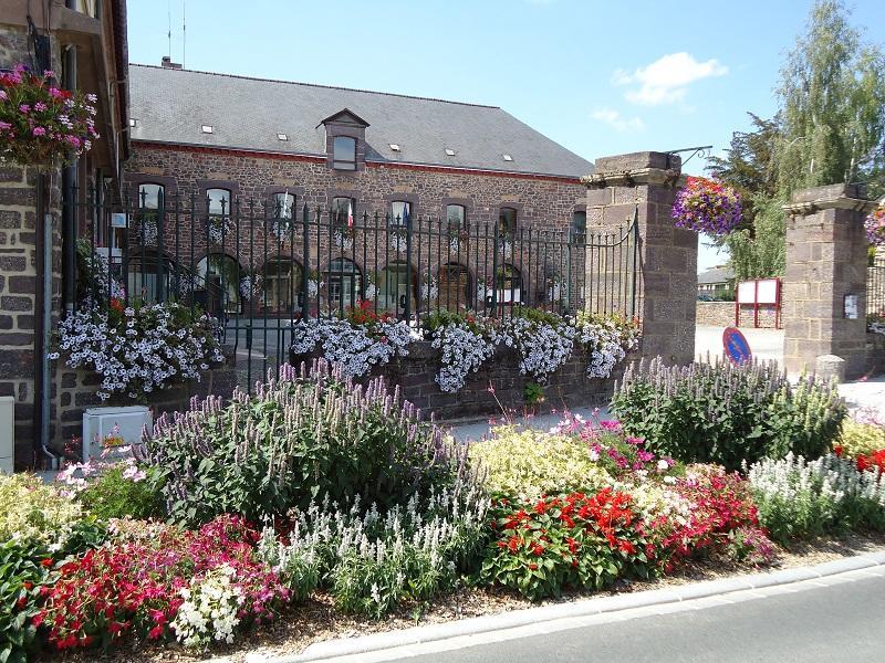 Mairie, ancien couvent des Ursulines