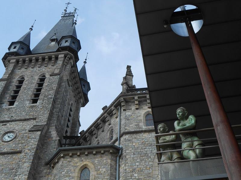 Sous le clocher de Châteaubourg