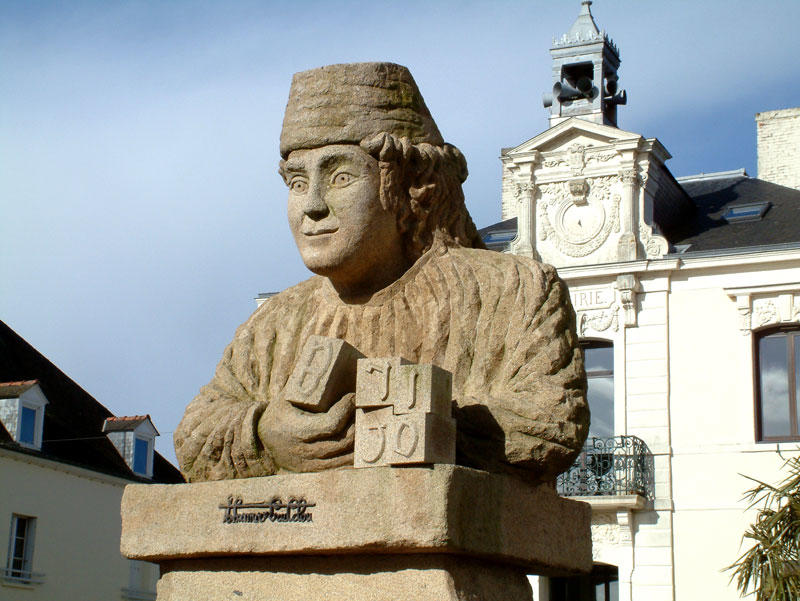 Statue de Jean Brito à Pipriac