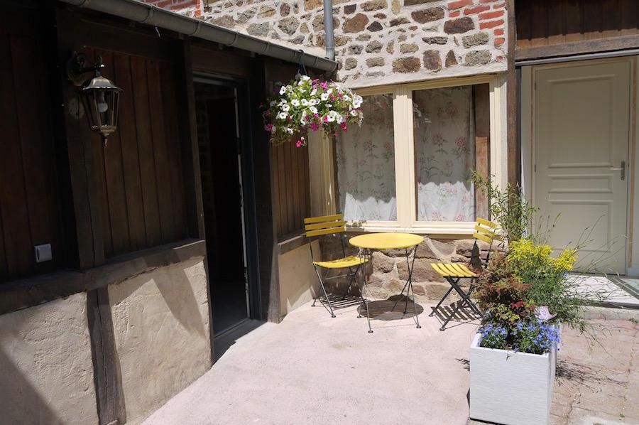 Le Studio à Bécherel - Entrée terrasse