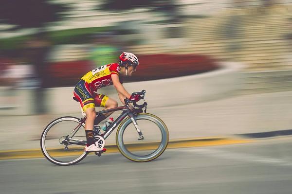 course cycliste grand prix des gais lurons